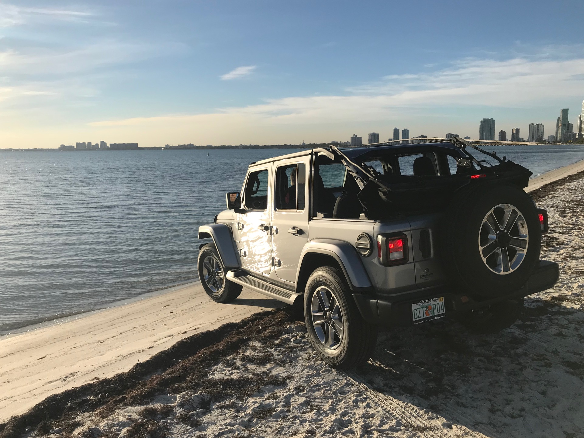 New-Jeep-Wrangler-in-Water