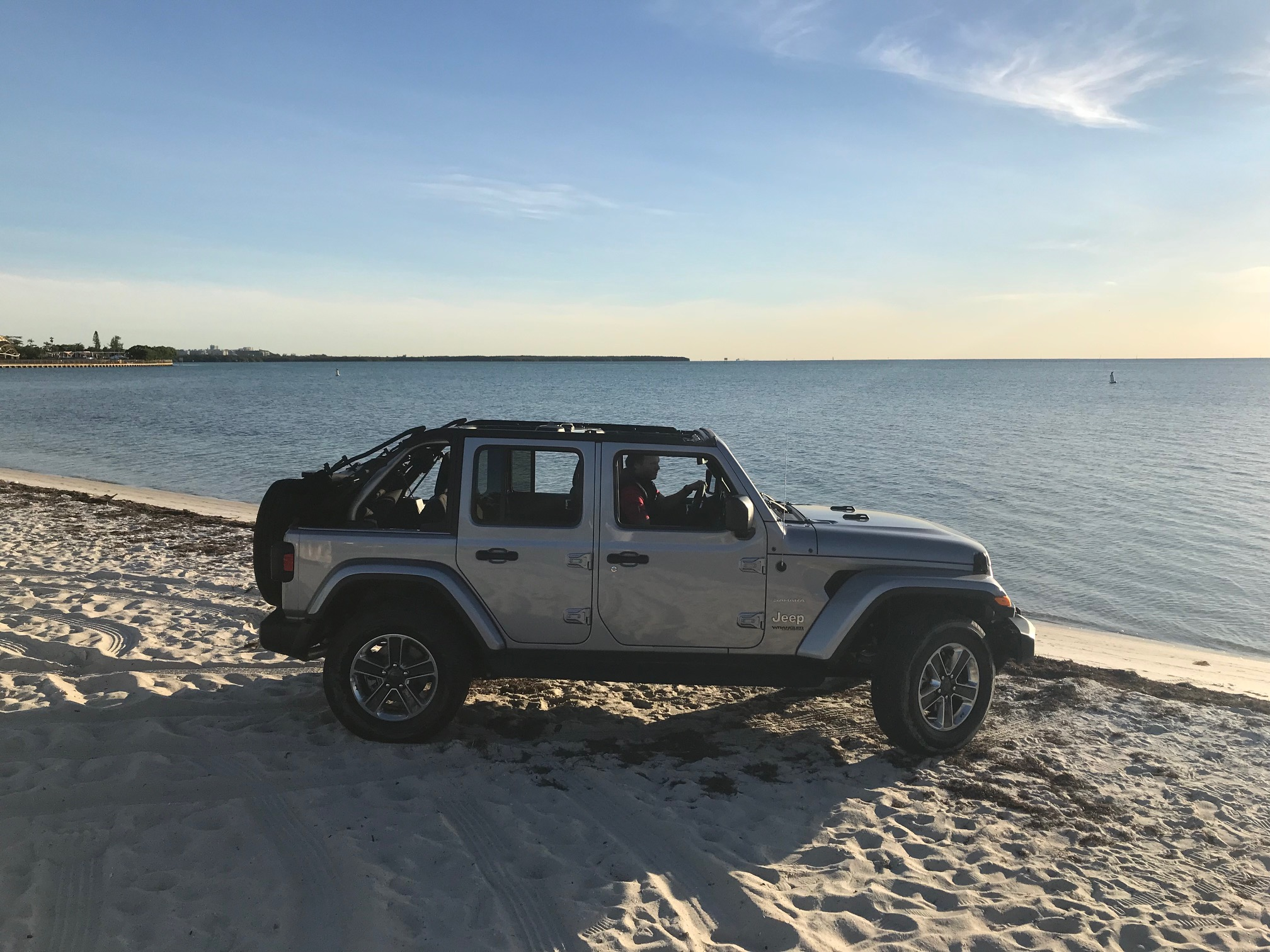 New-Jeep-into-Ocean